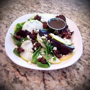 organic-pear-gorgonzola-salad