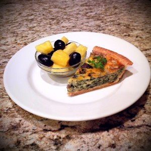 spinach-portobello-mushroom-quiche-with-assorted-fruit